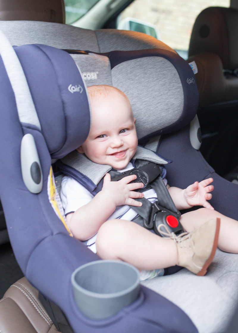 5 month old boy in a Maxi Cosi Pria 85 car seat - best seat on the market