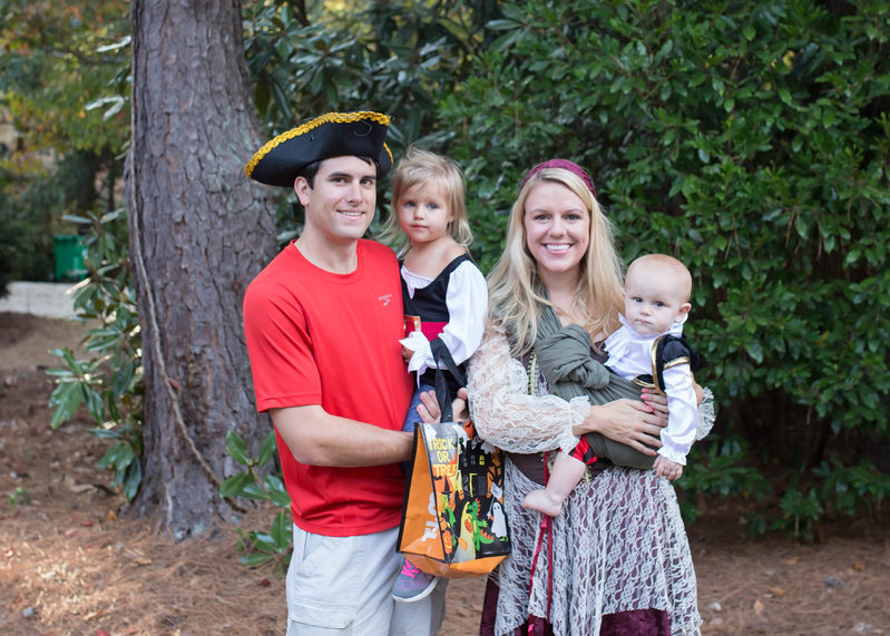 family pirate halloween costumes